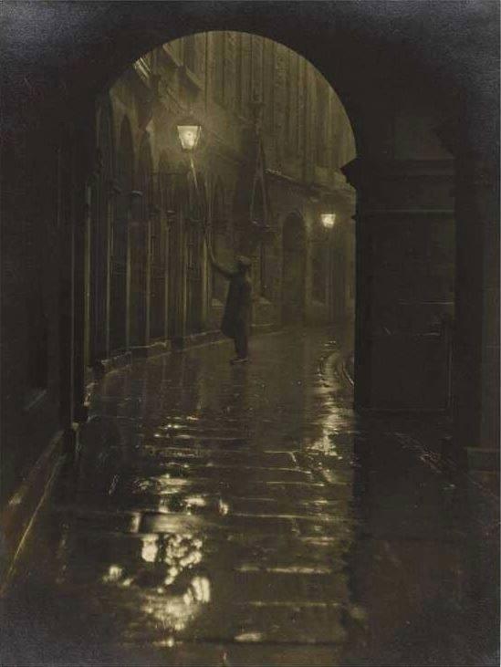 lamplighter, Edinburgh, early 1 - jimcofer | ello