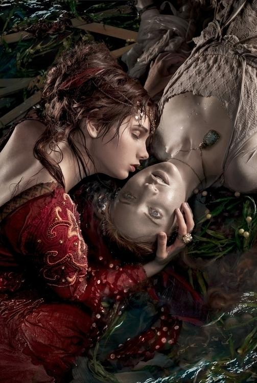Kiss, part series loss, sister  - ransom_mitchell | ello