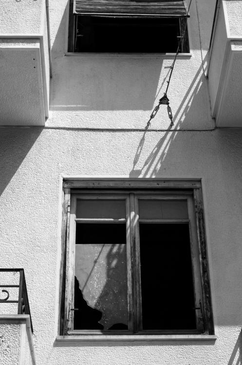 Lines (Athens, 2017 - kostasarvanitis | ello