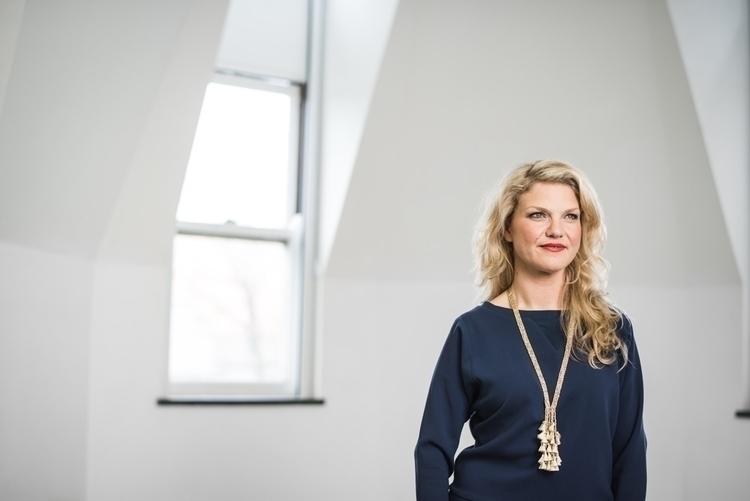 Solveig Øvestebø, Executive Dir - abarlich | ello