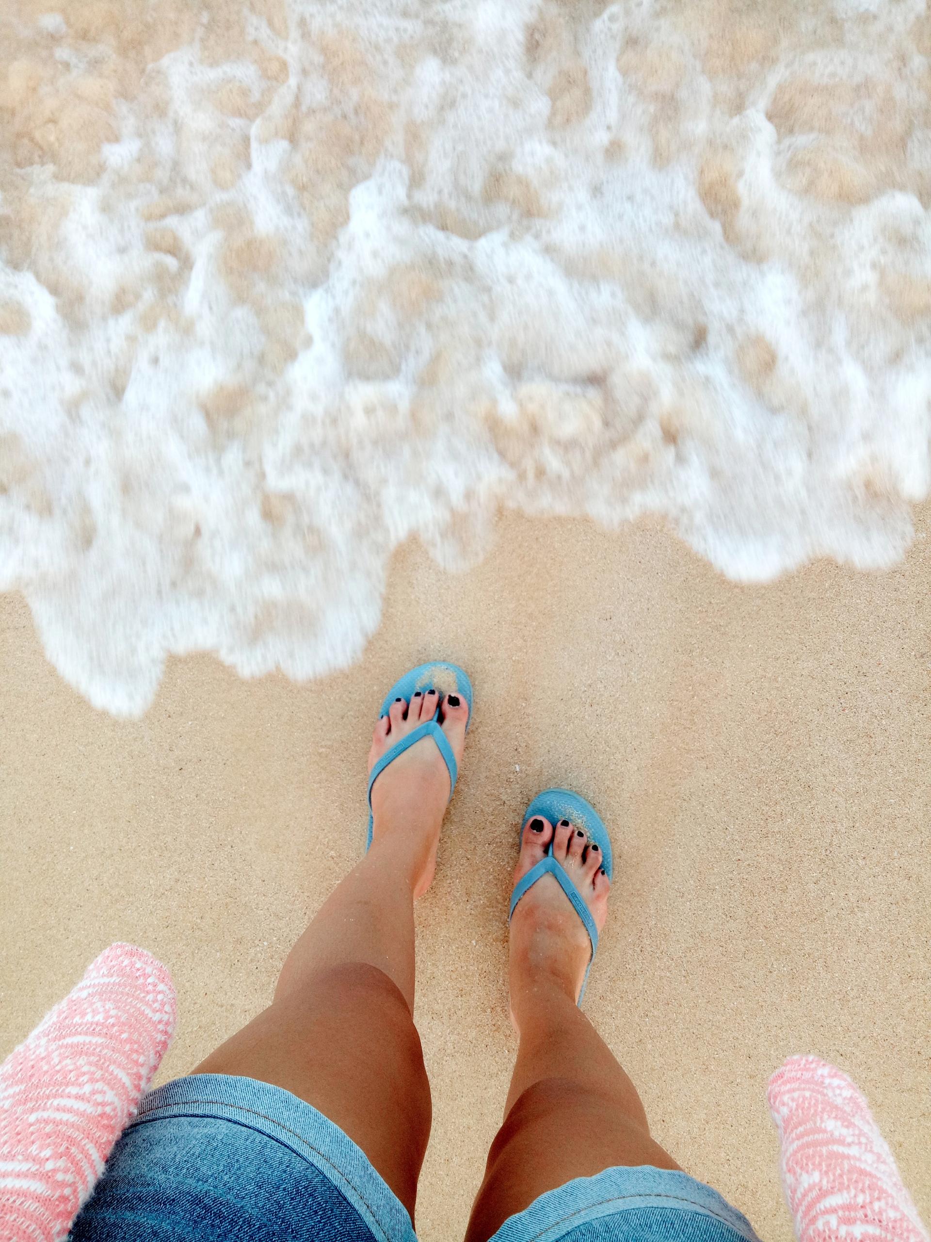 live feet touched ocean. Patar  - rheaiyah | ello