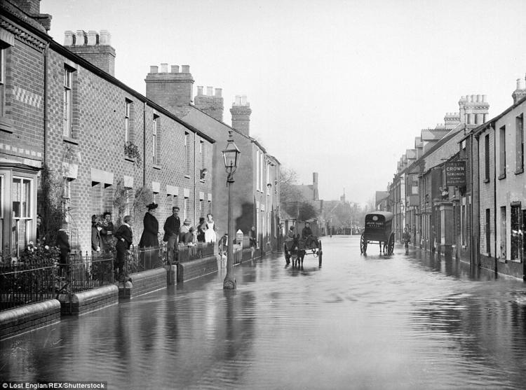 scene - street, Victorian - victorianchap | ello