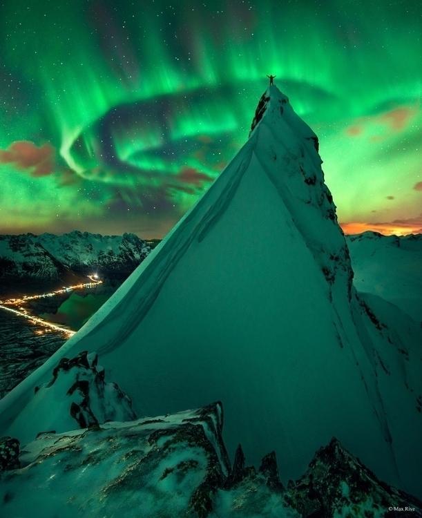 Amazing photo - northernlights, astronomy - vikitux | ello