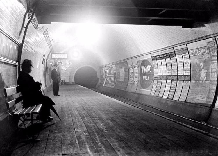 Mind gap! Imagine scene London  - ellobridges | ello