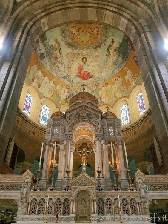 ( ): Altar apse Basilica Corpus - milanofotografo | ello