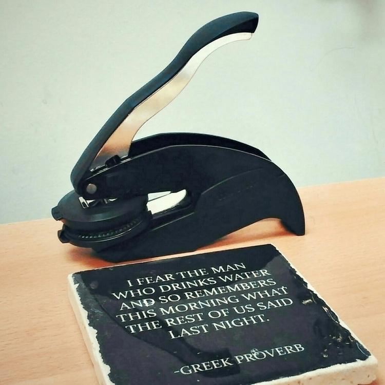 Scenes desk - domtopnotary | ello