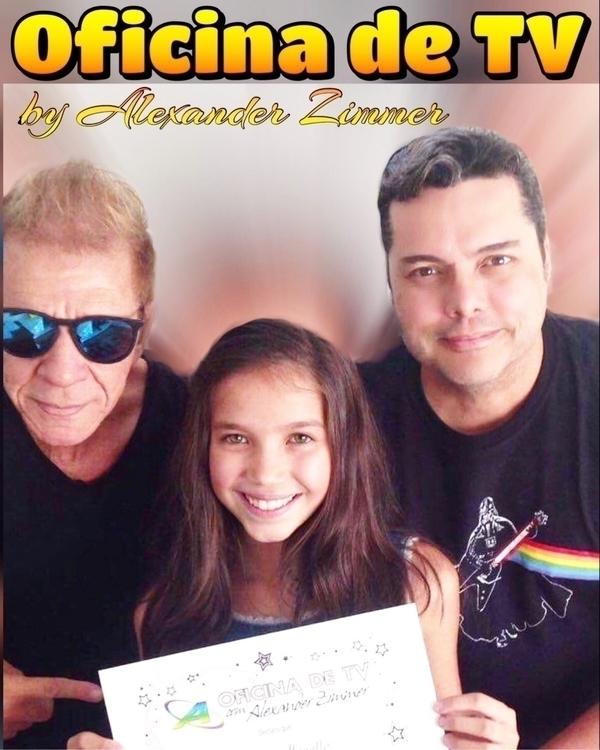 Com Halsey Mendes atriz Thaís M - alexanderzimmer | ello
