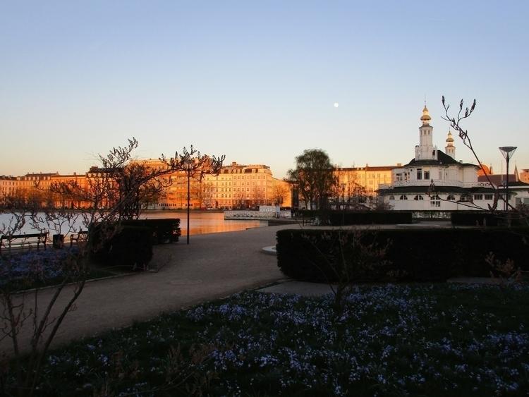 Lakes sunset full moon - northernlad | ello