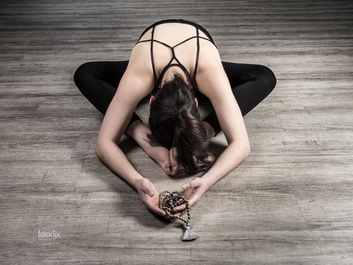 yoga shooting Johanna - bitterer   ello