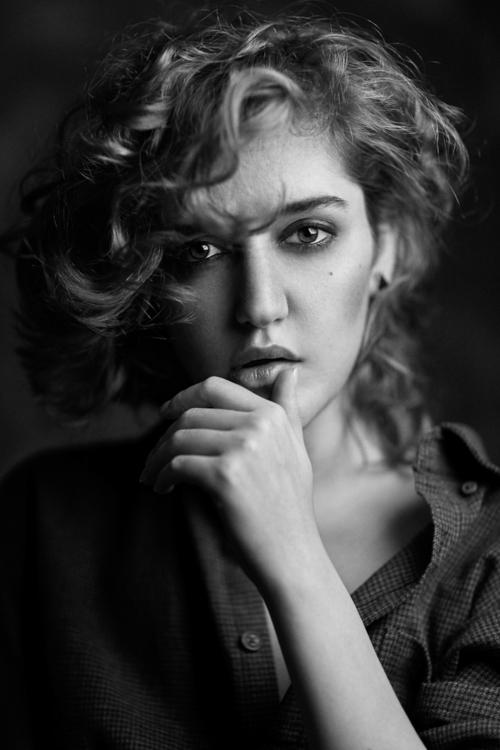 Photographer:Mohammad Hossein  - darkbeautymag | ello