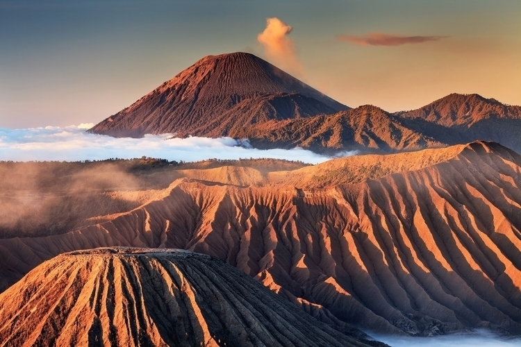 Morning Light Mount Bromo East  - helminadia | ello