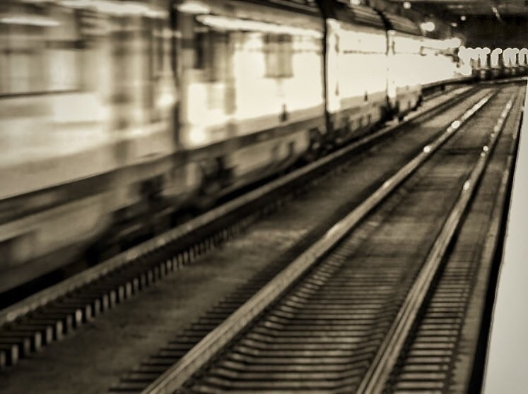 Fast - train, trainstation - marioblanco1685 | ello