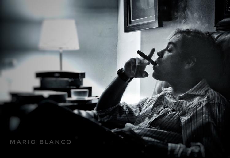 Art Smoking Cigars - ciagars, botl - mario_blanco   ello