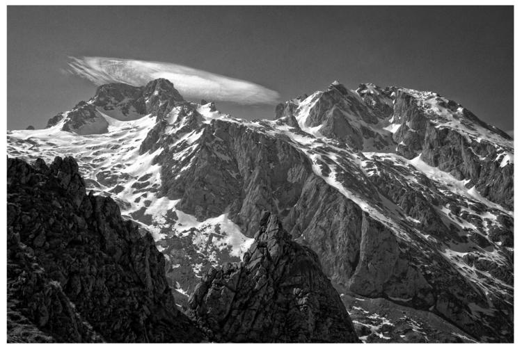 Picos de Europa, Asturias, Spai - guillermoalvarez | ello