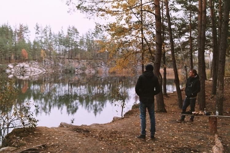 boys forest Yashica 230 AF Supe - alinele13 | ello