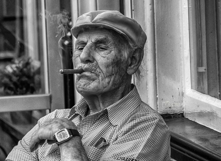 love cigar - artmen | ello