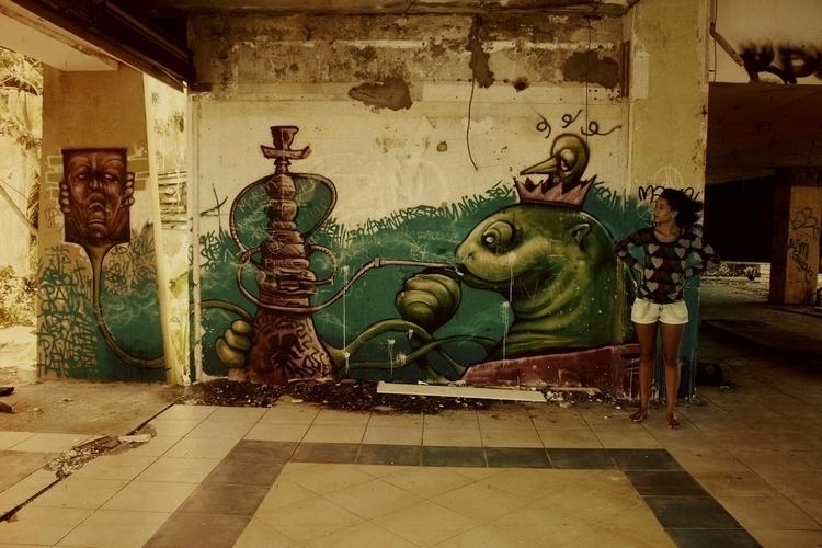 Laetitia Payombo - photography, streetart - particulescreatives | ello