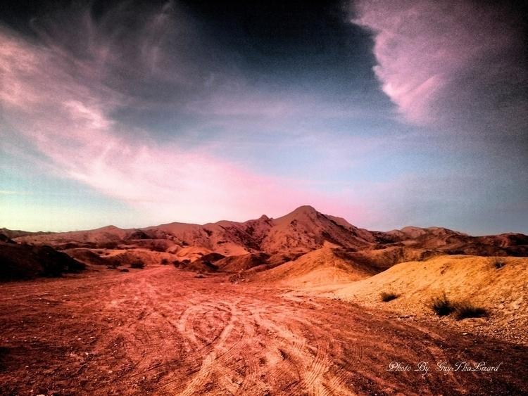 Arizona - guythalizard | ello