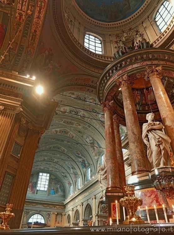 Caravaggio (Bergamo, Italy): Al - milanofotografo | ello