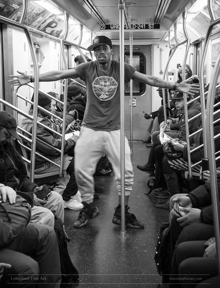 Dancing Subway, 30 January 2017 - wlotus   ello