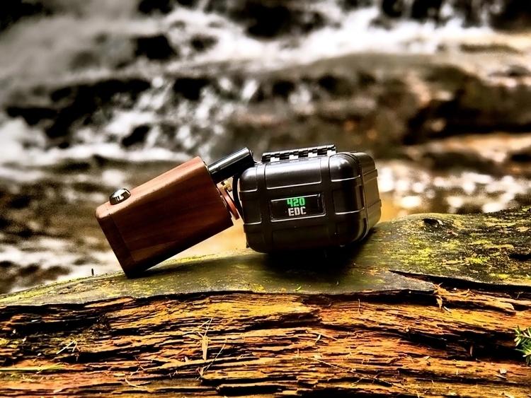 Photo Coutesy shot Milaana Case - 420edc | ello