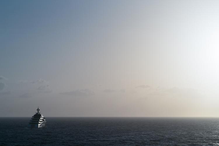 Super-yachts Bahamas thinking p - rickschwartz | ello