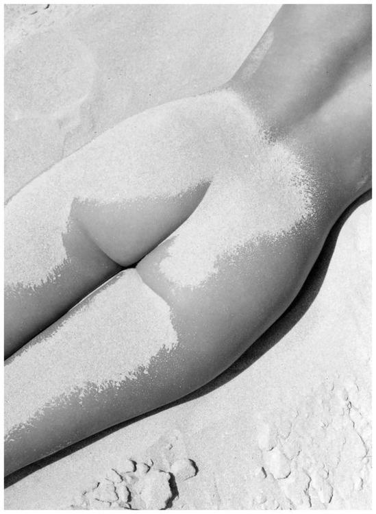 Lisa Fonssagrives 1949. Photo F - ohgoodgoods_mag | ello