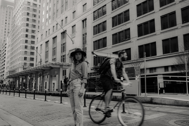 portraitphotography, bnw, streetphotography - de-vida | ello