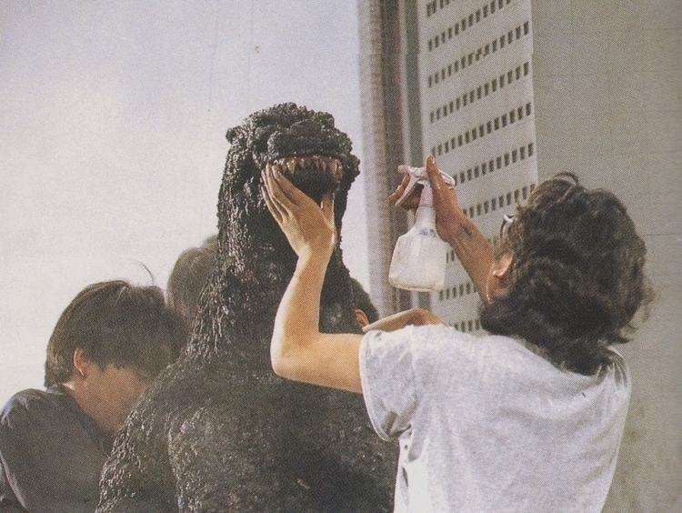 Godzilla, Kaiju - photography, film - modernism_is_crap | ello