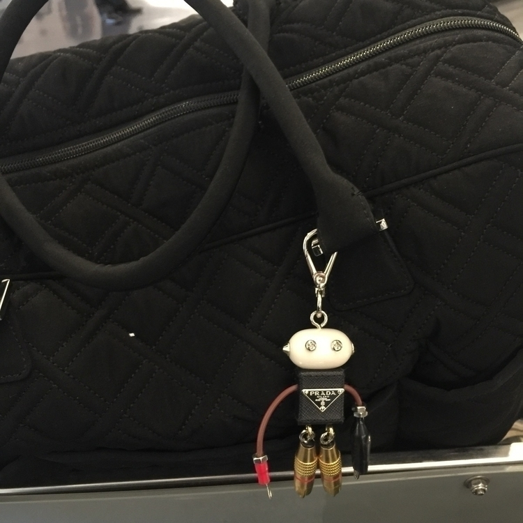 long flight, Edward Prada robot - usual_anomaly | ello