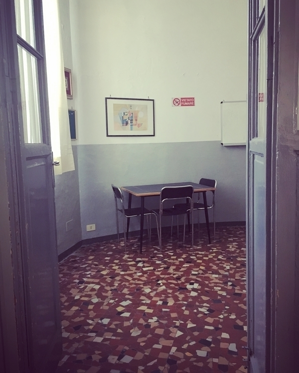 love - italian, chairs, school, lobby - guazzapp | ello
