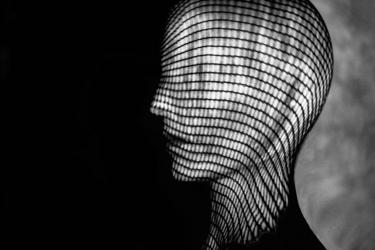 Photographer/Model:Sophie Horn - darkbeautymag   ello