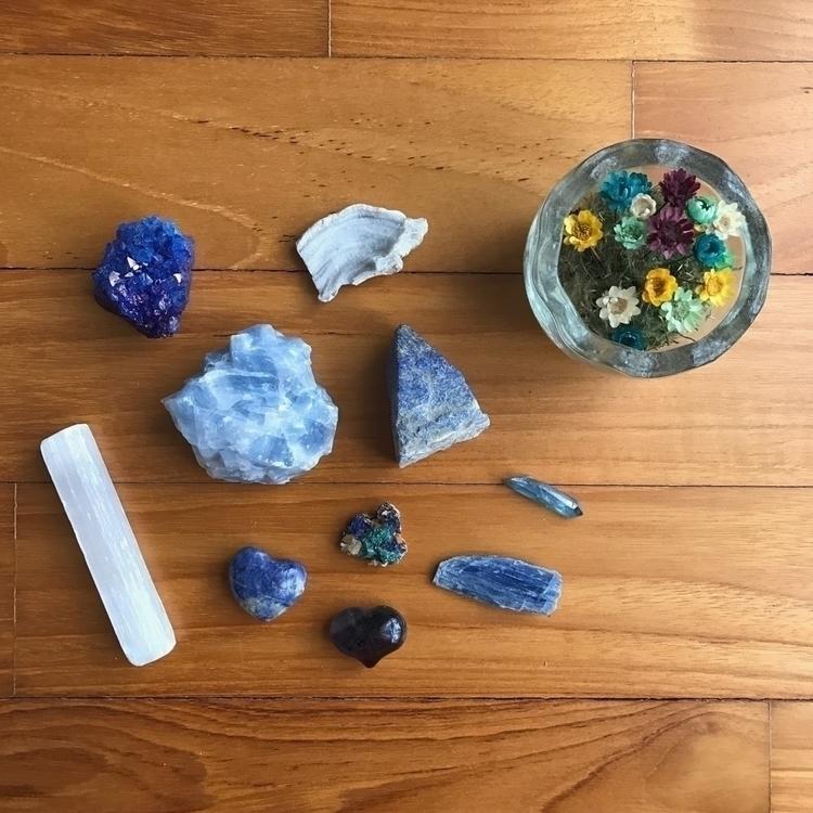 love crystals minerals, gonna p - laetus_vitae | ello