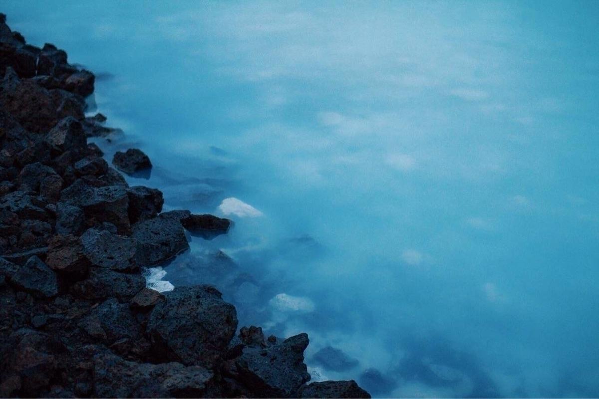 Iceland - canon7D, bluelagoon, geysir - pauline_roquefeuil | ello
