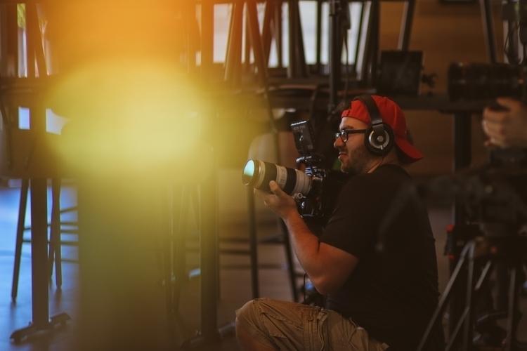 shoot - 3 - derrickpeachey | ello