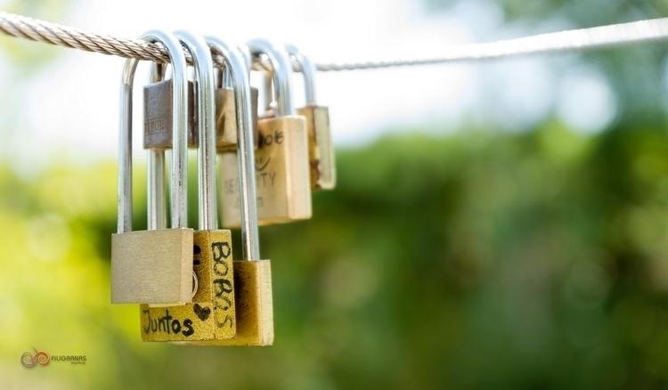 locked Love - photography - filigranasdigitales | ello