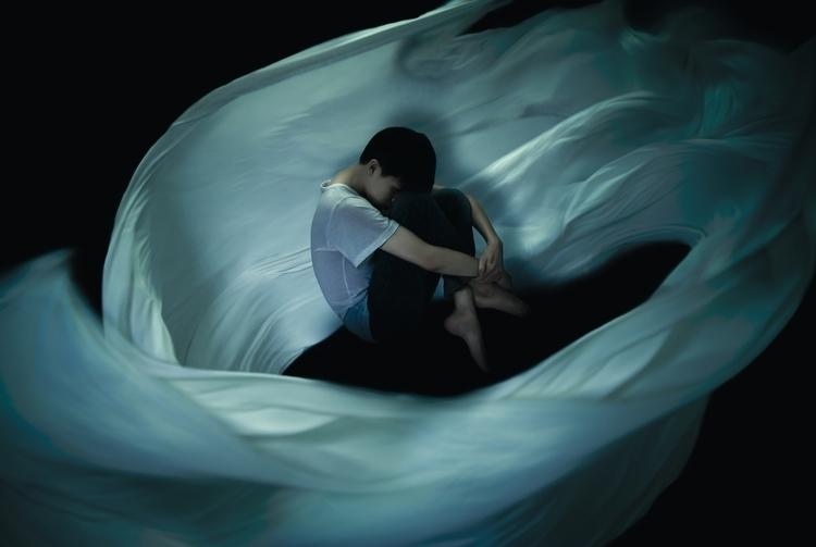 Solitude - photography, levitation - quoctrung102 | ello