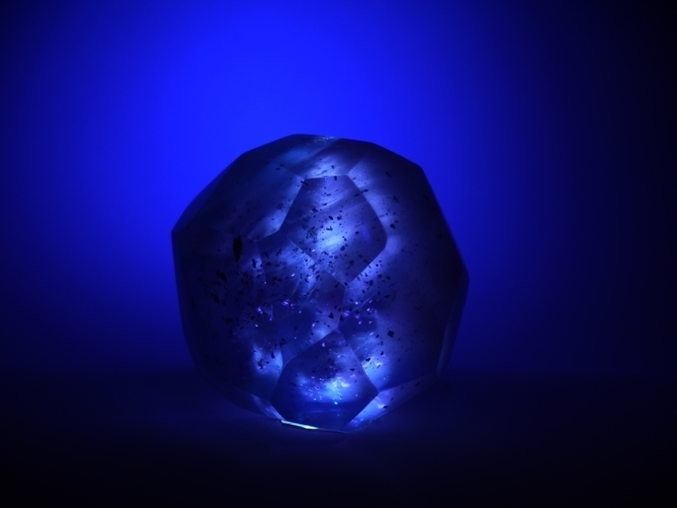 Ice Crystal - flow, sculpture, resin - smouss | ello