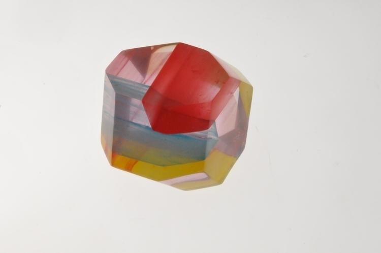 geometrical resin - sculpture, colors - smouss | ello