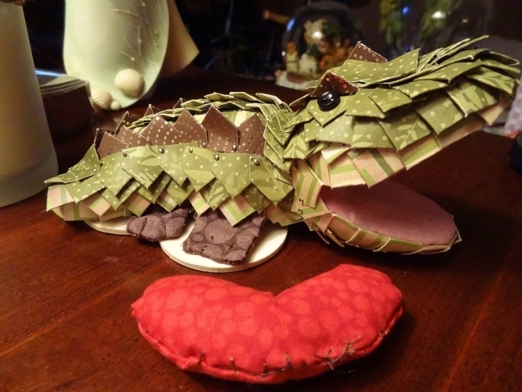 love croc - crocodile, papercraft - lynoraconti | ello