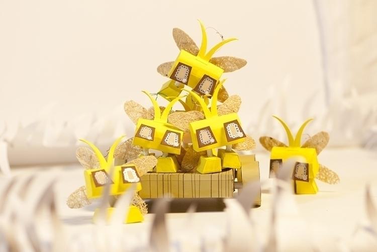 Firefly - flyfire, paper, papertoy - judynguyen-5846 | ello