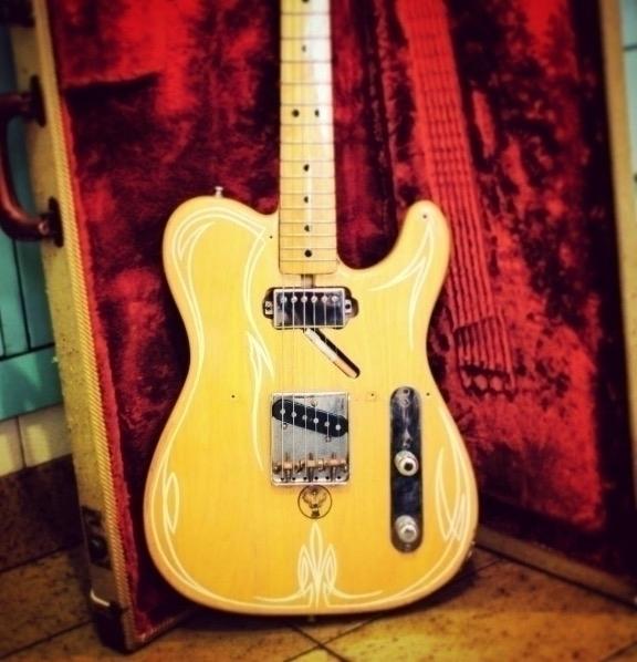 Pinstriped guitar - music, rock - gibara | ello
