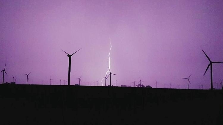 Iowa Lightning Windmills - lightning - alyssaredenius | ello
