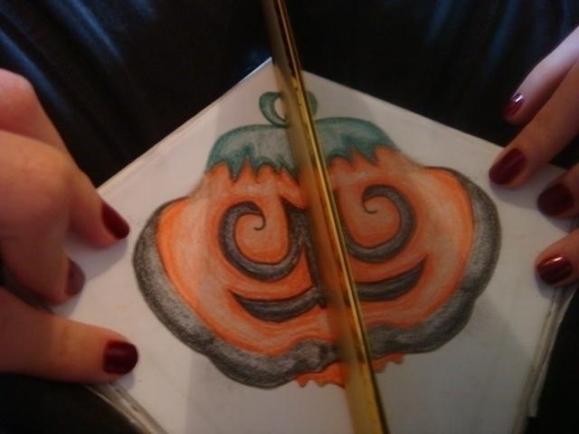 mirror, illustation, pumpkin - amandaloyolla   ello