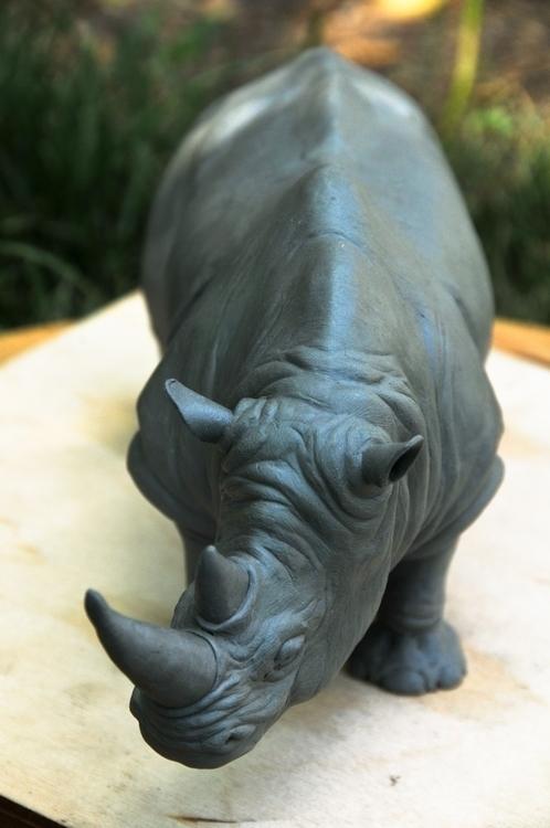 Rhinoceros sculpt, 6 long, poly - heliot-4253 | ello
