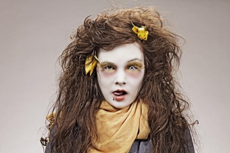 Schräg - girl, photography, makeup - simonegle | ello
