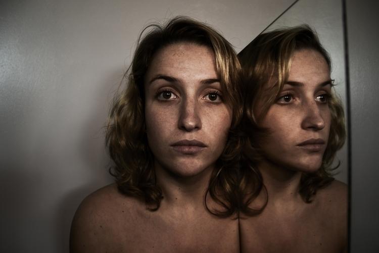 photography, selfportrait, reflection - juliahs-1141 | ello