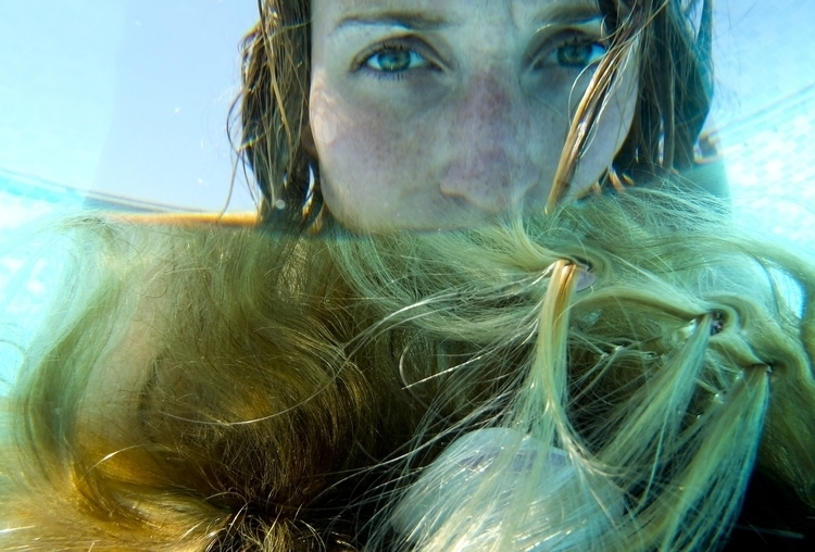 photography, underwater, surreal - juliahs-1141 | ello