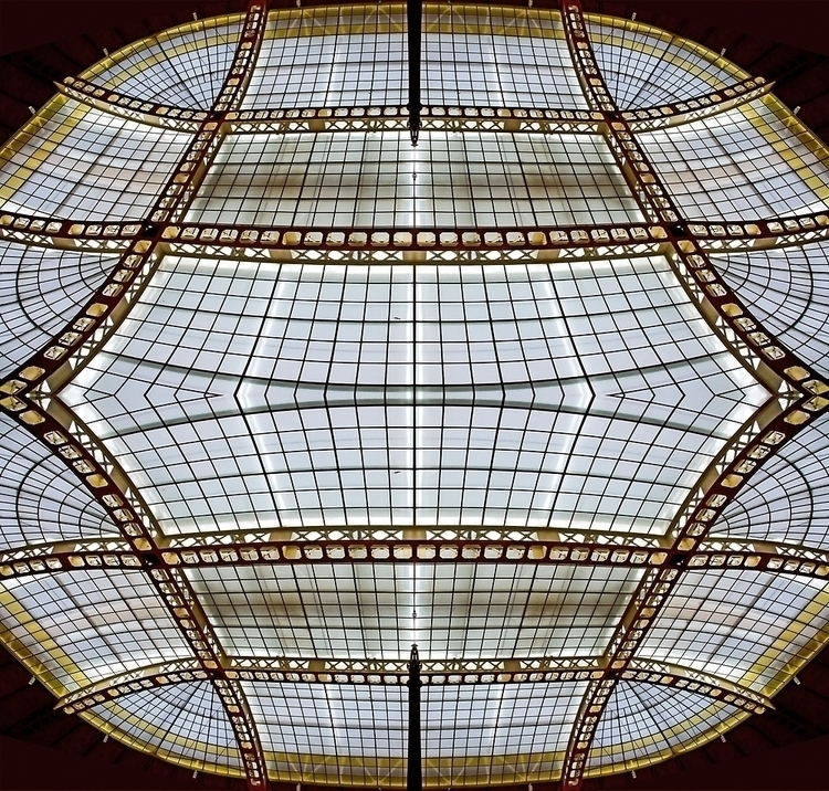 Mirror image roof steel glass,  - leo_brix | ello