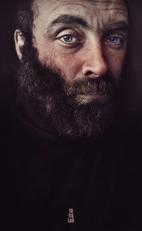 Abraham - photography - totislao | ello